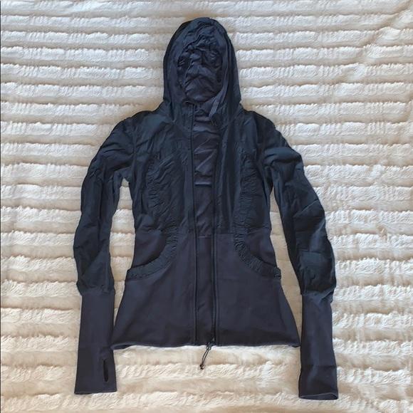 Lululemon wind resistant jacket